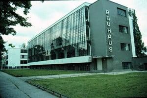 El edificio de la Escuela bauhaus en Alemania