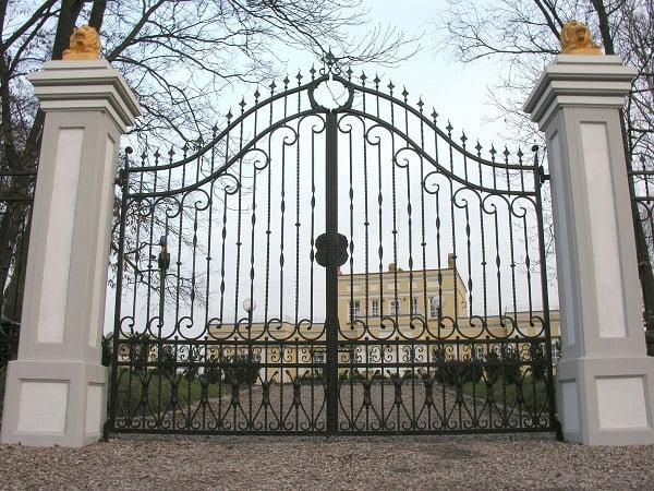 Puertas de hierro forjado barandales rejas portones - Rejas de hierro forjado ...