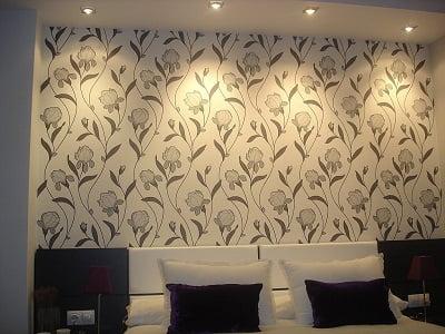 Como pegar el papel tapiz arkiplus for Papel de empapelar paredes