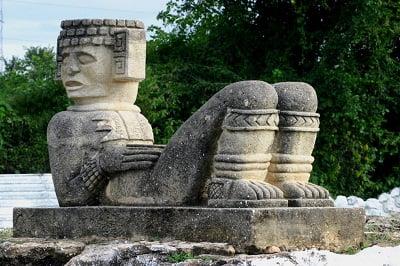 Arquitectura tolteca arkiplus for Arquitectura y arte de los mayas