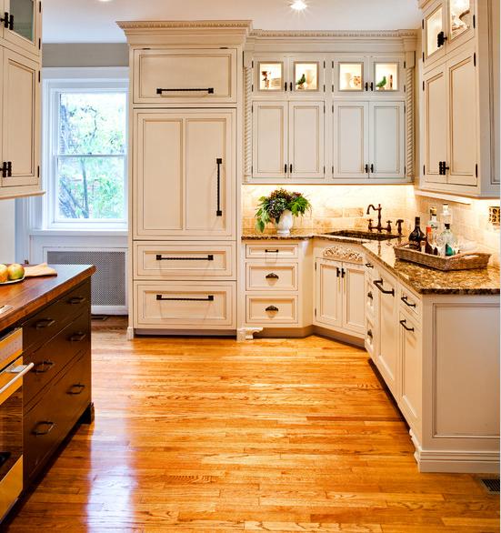 Dise os de cocinas en colores claros arkiplus - Cocinas modernas de colores ...