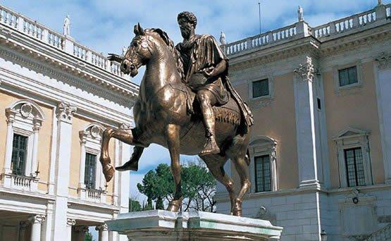Estatua ecuestre del emperador romano Marco Aurelio. Bronce. 176 A de C.