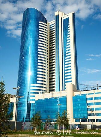 Fachadas oficinas modernas fachadas de casas for Fachadas de oficinas modernas
