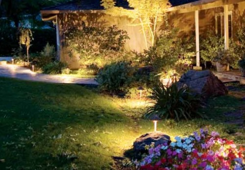 ideas-creativas-para-iluminar-jardin9