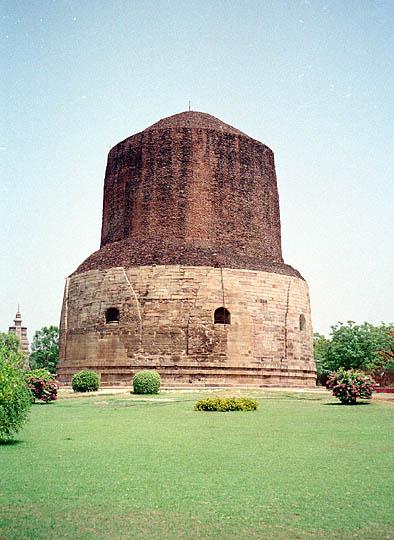estupa Dhamekh