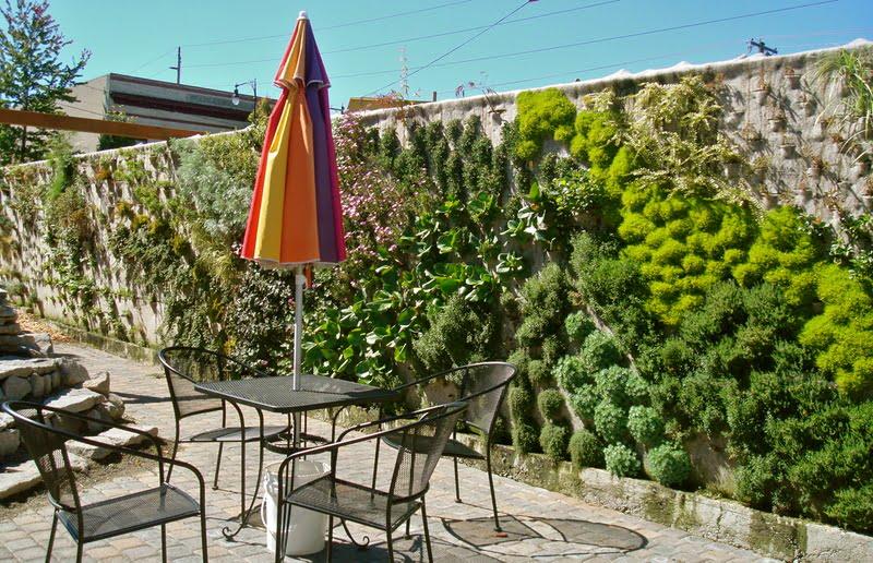 Dise o de jardines verticales arkiplus for Jardines verticales construccion