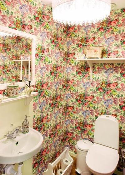 Dise o y decoraci n de ba os modernos con papel tapiz for Papel tapiz de patron para el pasillo