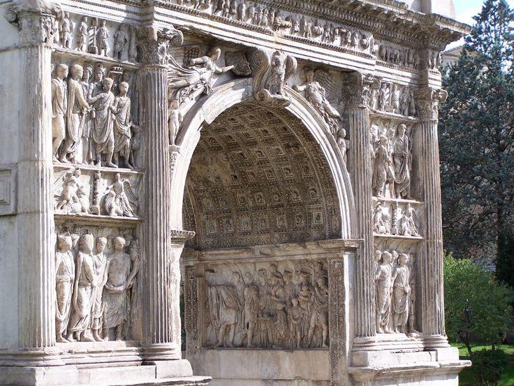 arco abocinado de Trajano