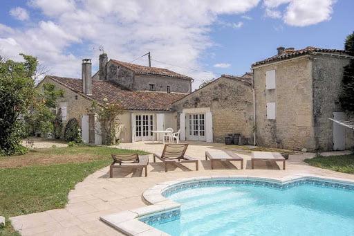 casa de campo en la campiña francesa